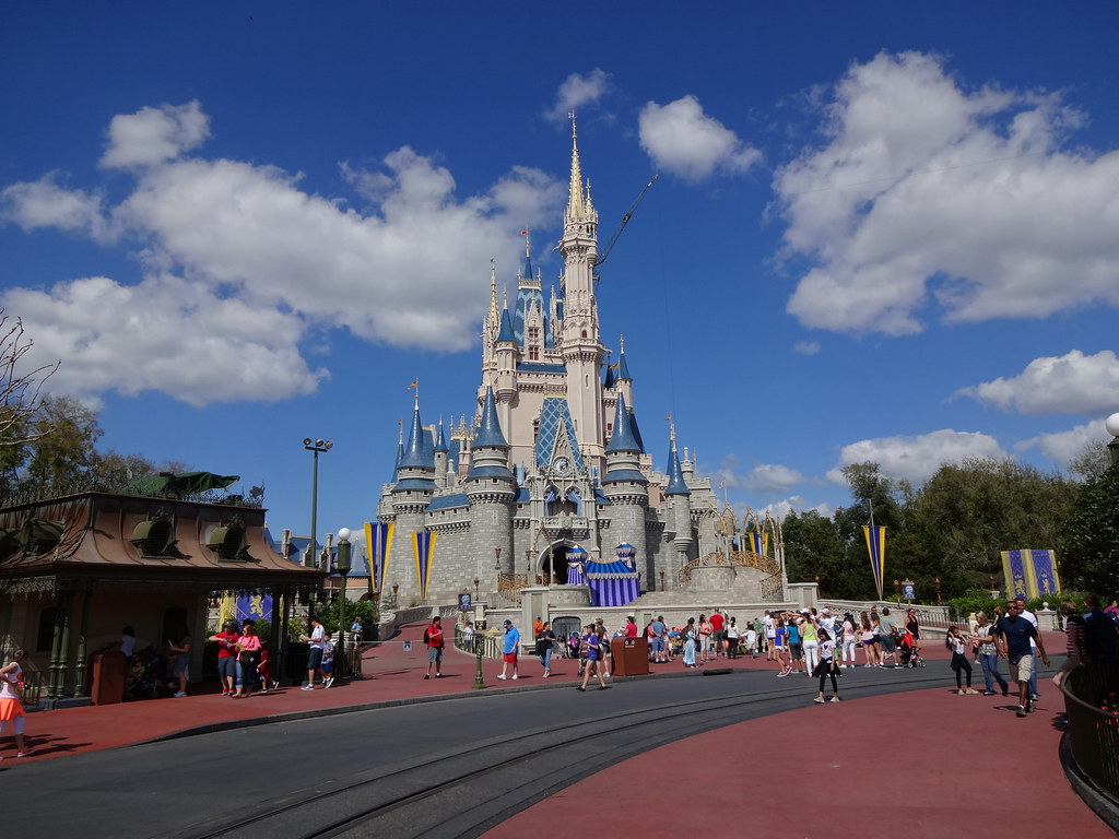 Disney Orlando Ticket: How to Buy It and Use It for Disneyland Orlando?
